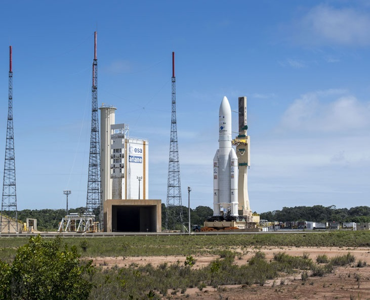 Ariane 5 moves into position at the ELA 3 launch zone.