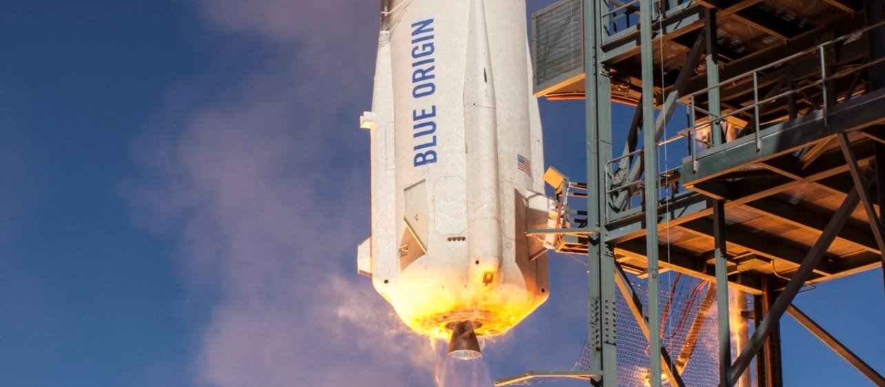 Blue Origin suborbital launch vehicle and capsule during test flight. Photo Credit: Blue Origin