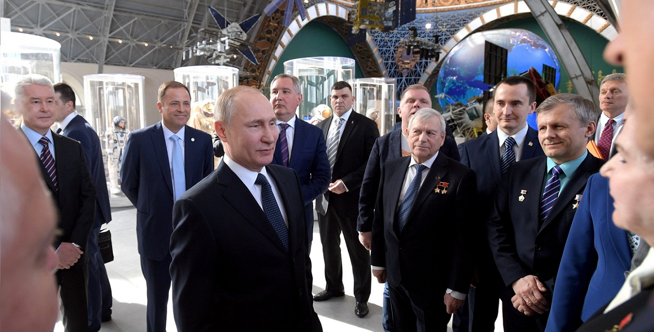 Russian President Vladimir Putin visiting the Cosmos pavilion at the all-Russian Center of Achievements of the National Economy (VDNKh) in Moscow on April 12, 2018.