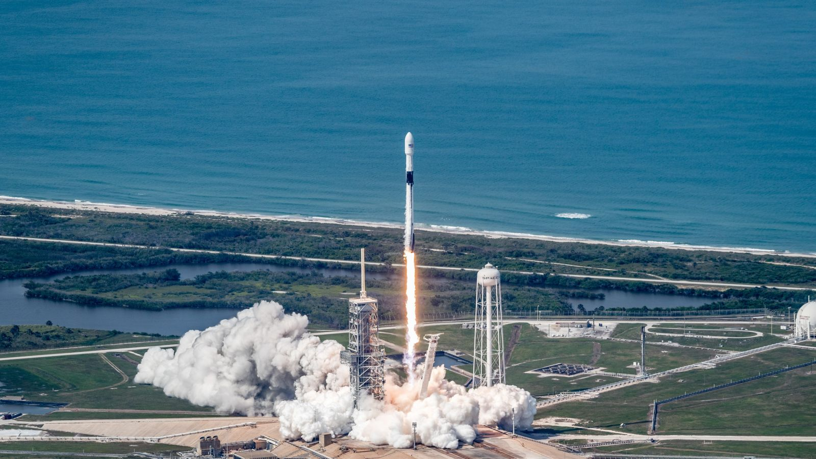 SpaceX's Block 5 Falcon 9 lifts off at Kennedy Space Center's Launch Complex 39A. Photo Credit: SpaceX