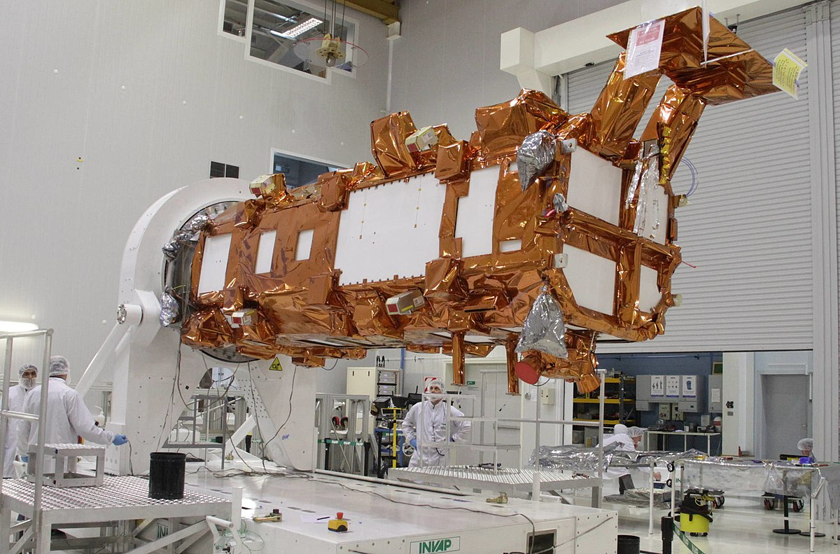 The SAOCOM 1A satellite in the clean room of INVAP in October of 2017. Photo Credit: Casa Rosada / Argentina Presidency of the Nation