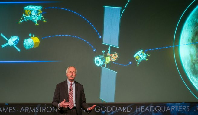 NASA Associate Administrator for the Human Exploration and Operations Mission Directorate Bill Gerstenmaier outlining the human lander reference architecture at an Industry forum for lunar exploration. Photo Credit: Joel Kowsky / NASA