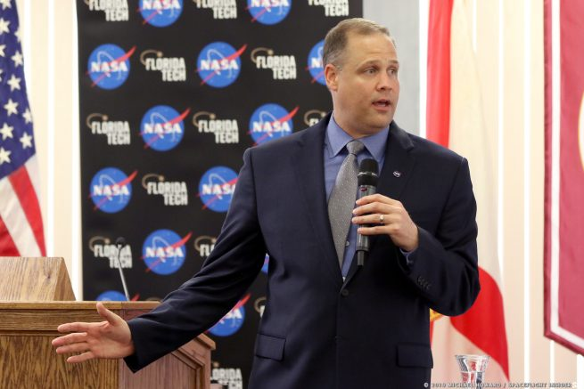 Bridenstine discusses the power and propulsion module during a visit to the Florida Institute of Technology. Photo Credit: Michael Howard / SpaceFlight Insider