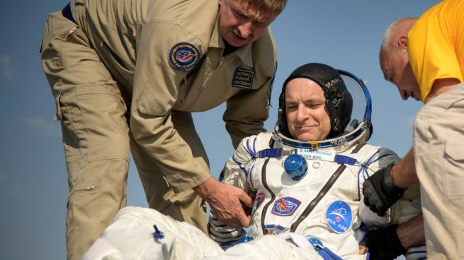 After Oleg Kononenko and Anne McClain were extracted from the Soyuz MS-11 spacecraft, David Saint-Jacques was removed. Photo Credit: Bill Ingalls / NASA
