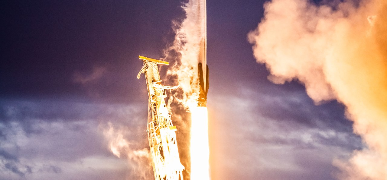 Archive photo of SpaceX Falcon 9 from the launch of the Iridium 8 mission. Photo Credit: SpaceX
