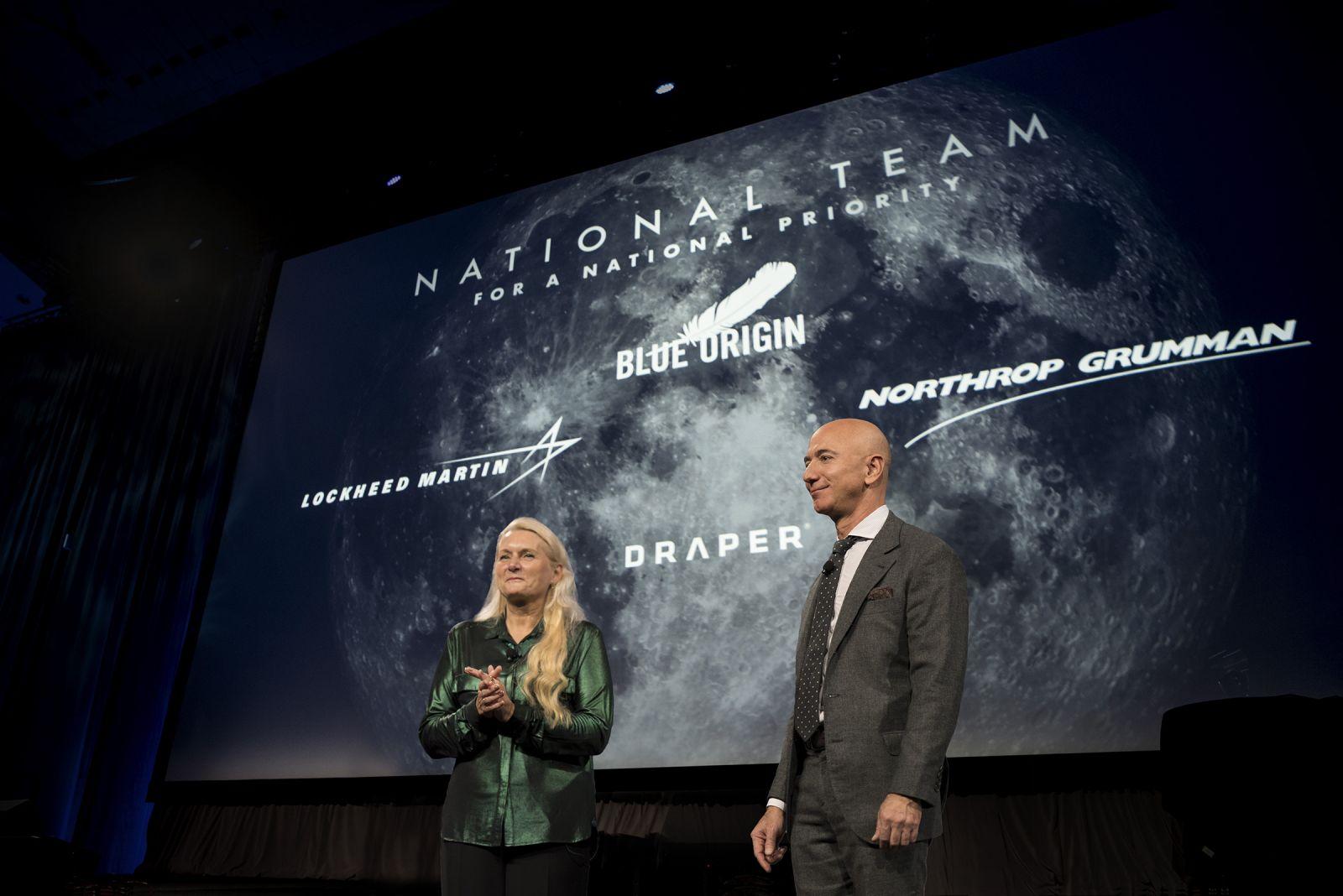 Bezos announces Blue Moon-based human lander team