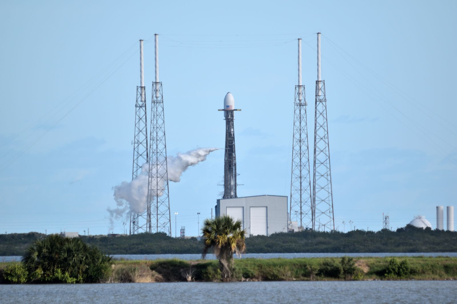 Falcon 9 will not be launching today due to upper level winds and rough seas (Archive Photo). Photo Credit: Jim Siegel / SpaceFlight Insider