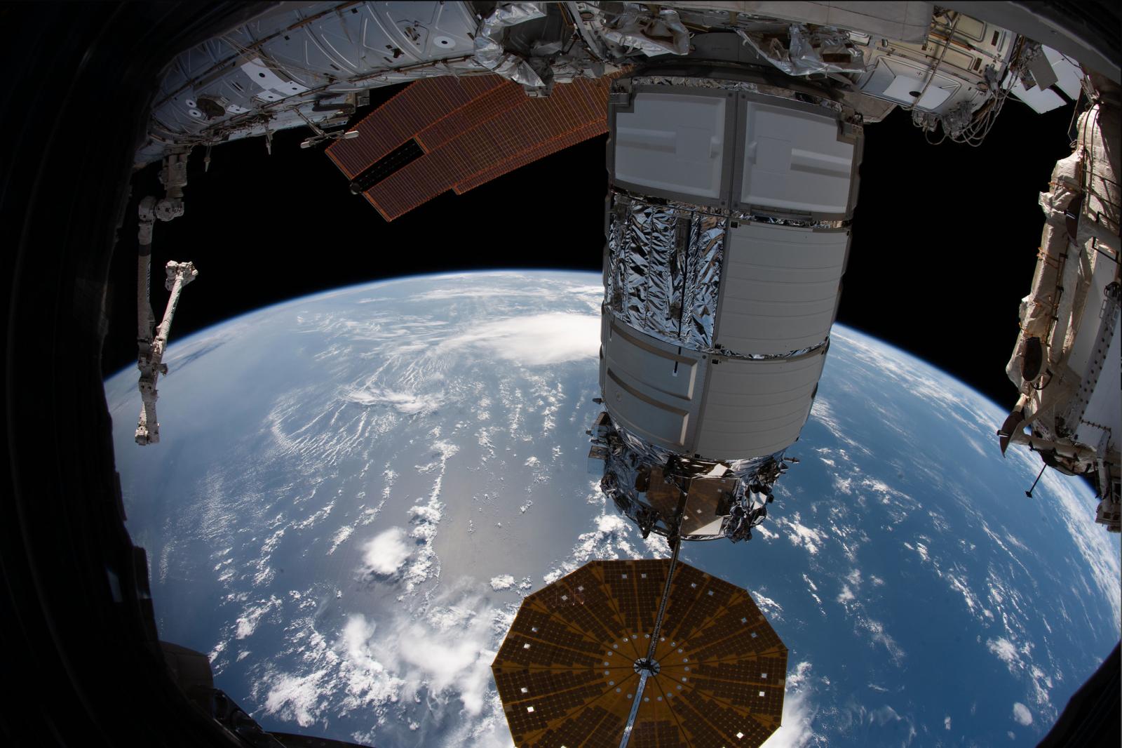 NG13 Cygnus ISS berthed