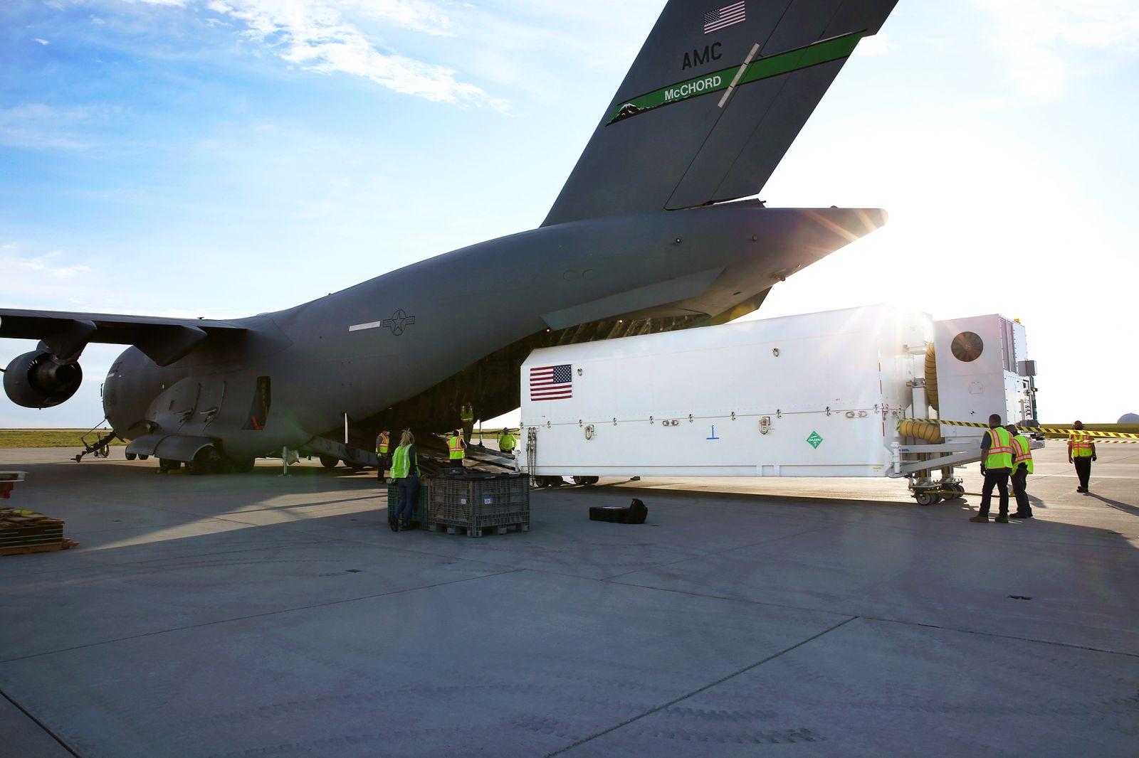 GPS-III SV04 Transport to Florida