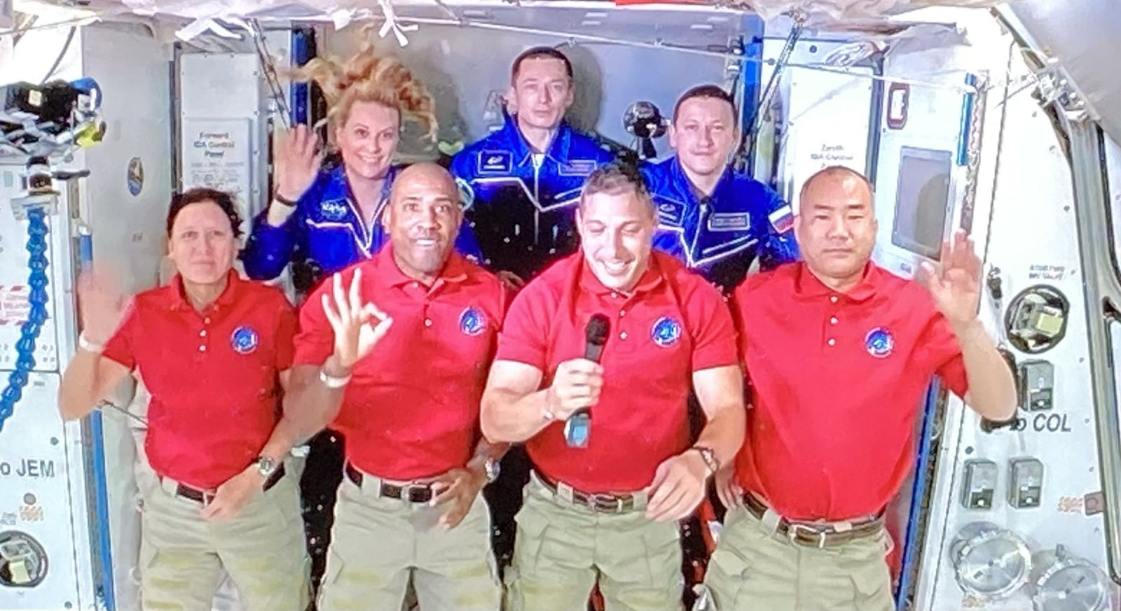 The full Expedition 64 crew. Top row from left to right: NASA's Kate Rubins and Russia's Sergey Ryzhikov and Sergey Kud-Sverchkov. Bottom row from left to right: NASA's Shannon Walker, Victor Glover and Michael Hopkins, and Japan's Soichi Noguchi. Credit: NASA
