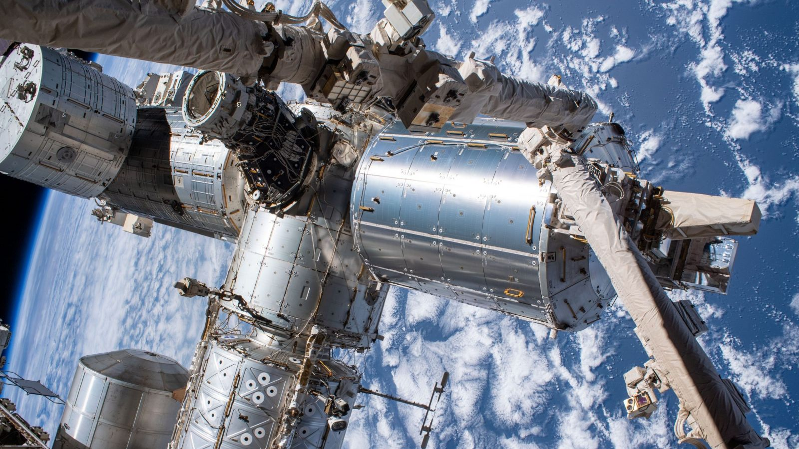 A view of the front of the International Space Station. The Bartolomeo platform, which was not yet installed when this photo was taken, is located on the forward side of the Columbus module. Credit: NASA