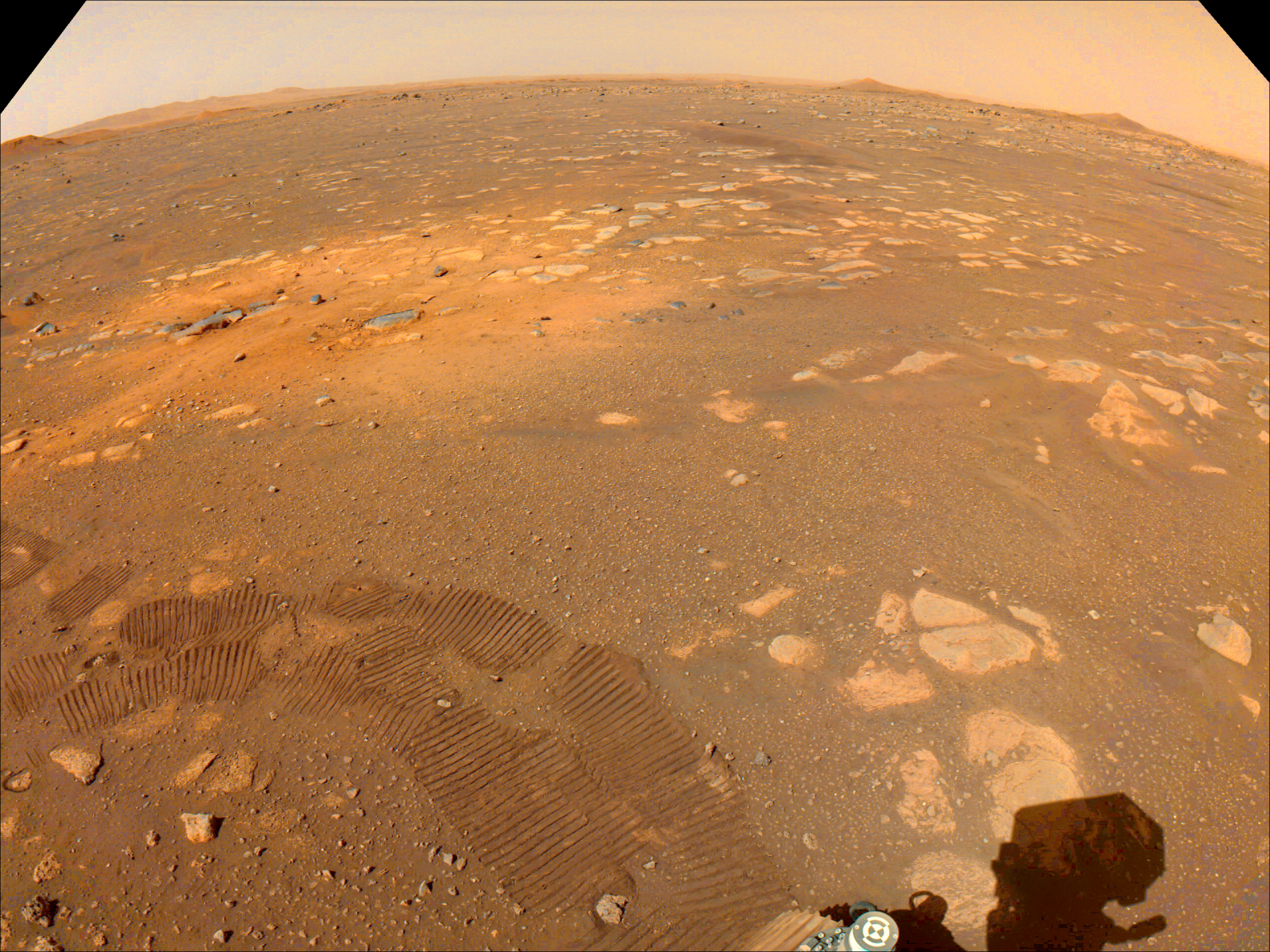 A view of the area washed by the Perseverance Rover during the descending phase. Image source: NASA / JPL-Caltech