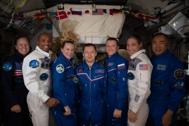 The full seven-person Expedition 64 crew. From left to right: NASA's Shannon Walker, Victor Glover and Kate Rubins, Roscosmos cosmonauts Sergey Ryzhikov and Sergey Kud-Sverchkov, NASA astronaut Mike Hopkins and Japanese astronaut Soichi Noguchi. Credit: NASA