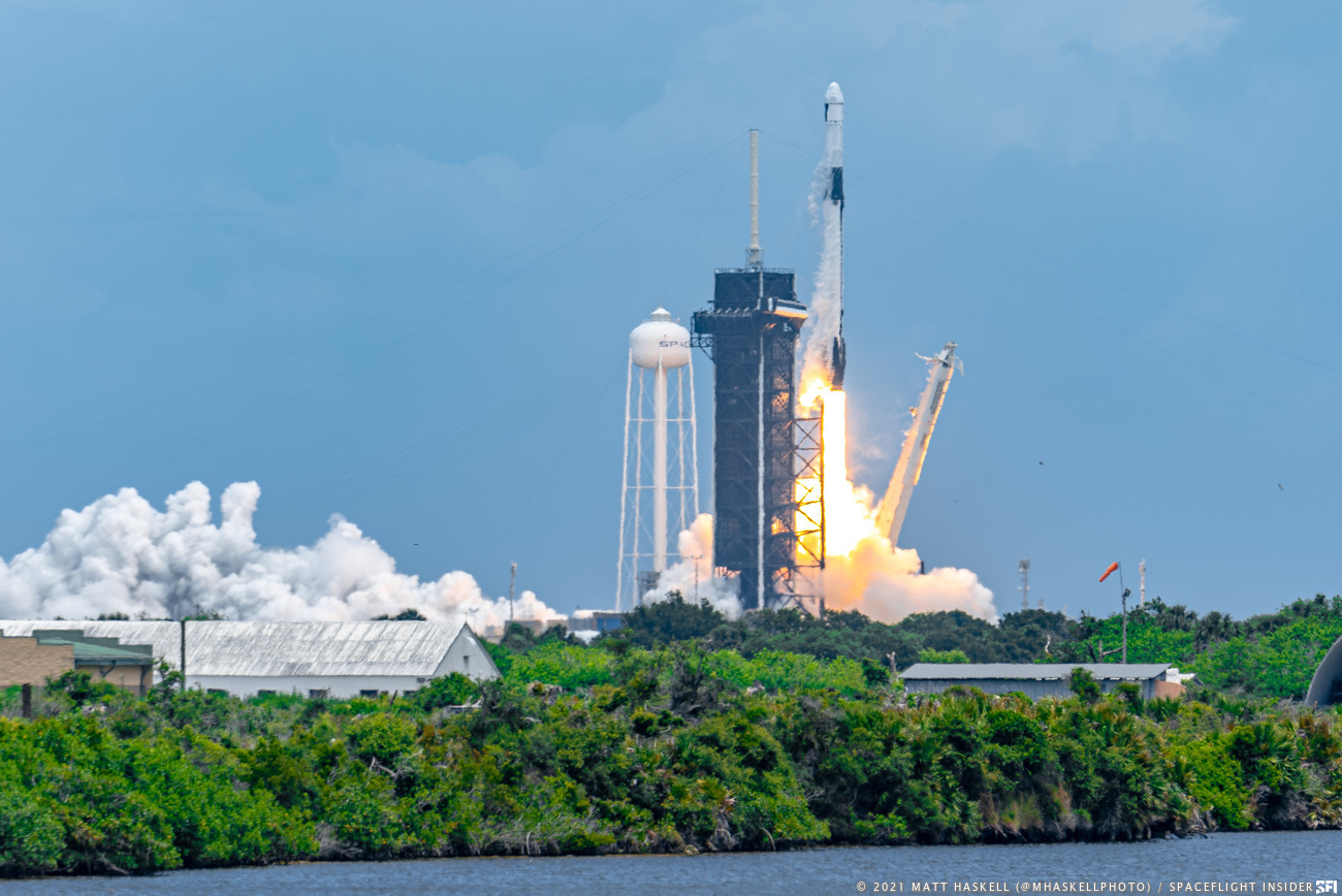 SpaceX's CRS-22 Dragon mission launches atop a Falcon 9 rocket from Kennedy Space Center in Florida on a mission to resupply the International Space Station and deliver new solar arrays for the 20-year-old orbiting outpost. Credit: Matt Haskell / Spaceflight Insider