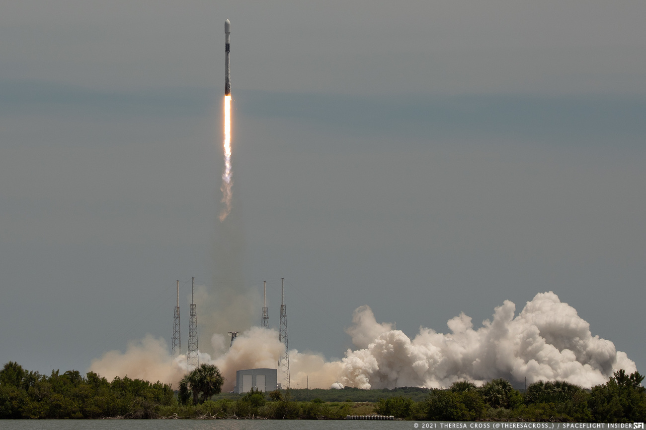 SpaceX's Falcon 9 launches the GPS III SV05 satellite into orbit for the U.S. Space Force. Credit: Theresa Cross / Spaceflight Insider