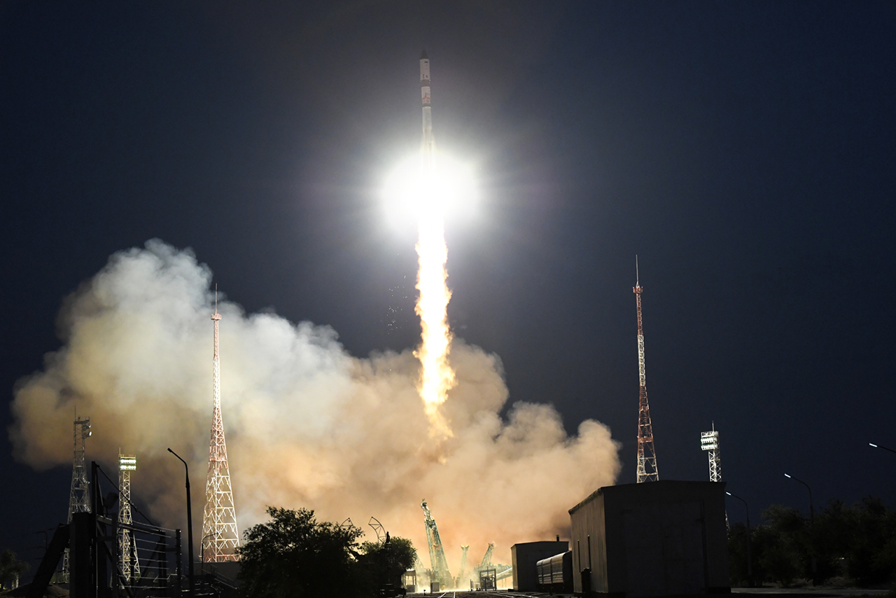 Progress MS-17 launches atop a Soyuz 2.1a rocket from Baikonur Cosmodrome in Kazakhstan. Credit: Roscosmos