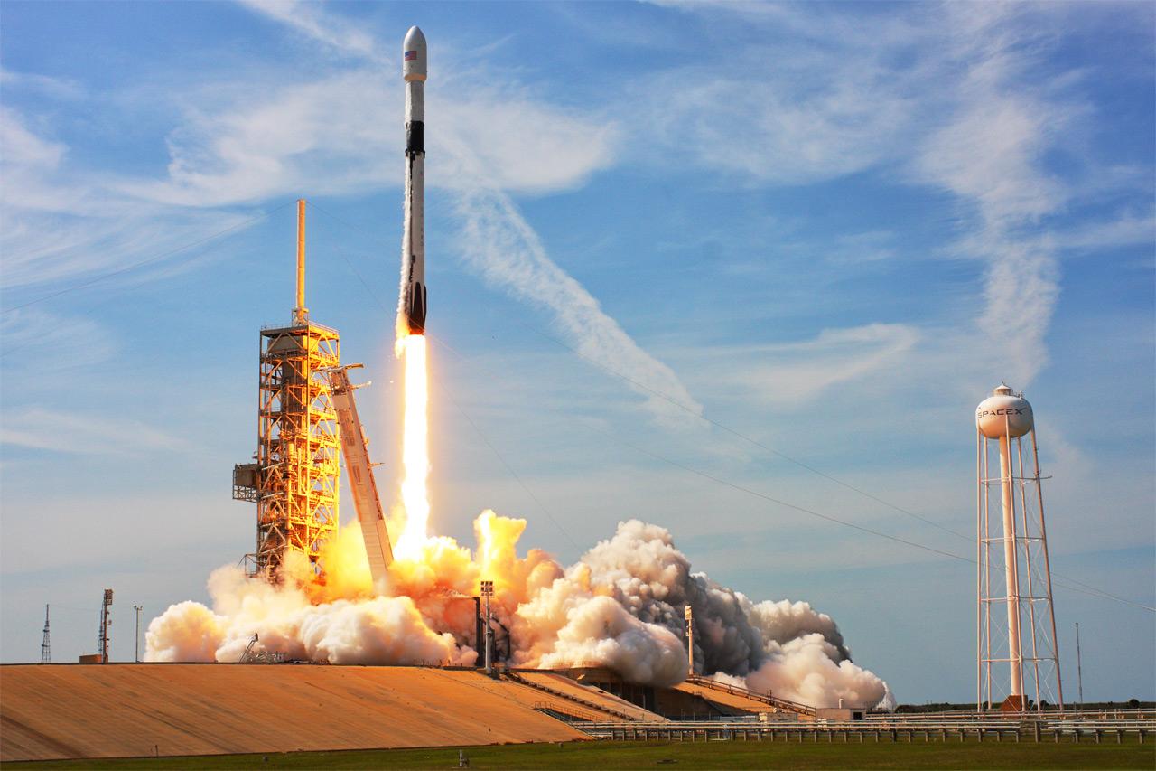 Falcon 9 Photo